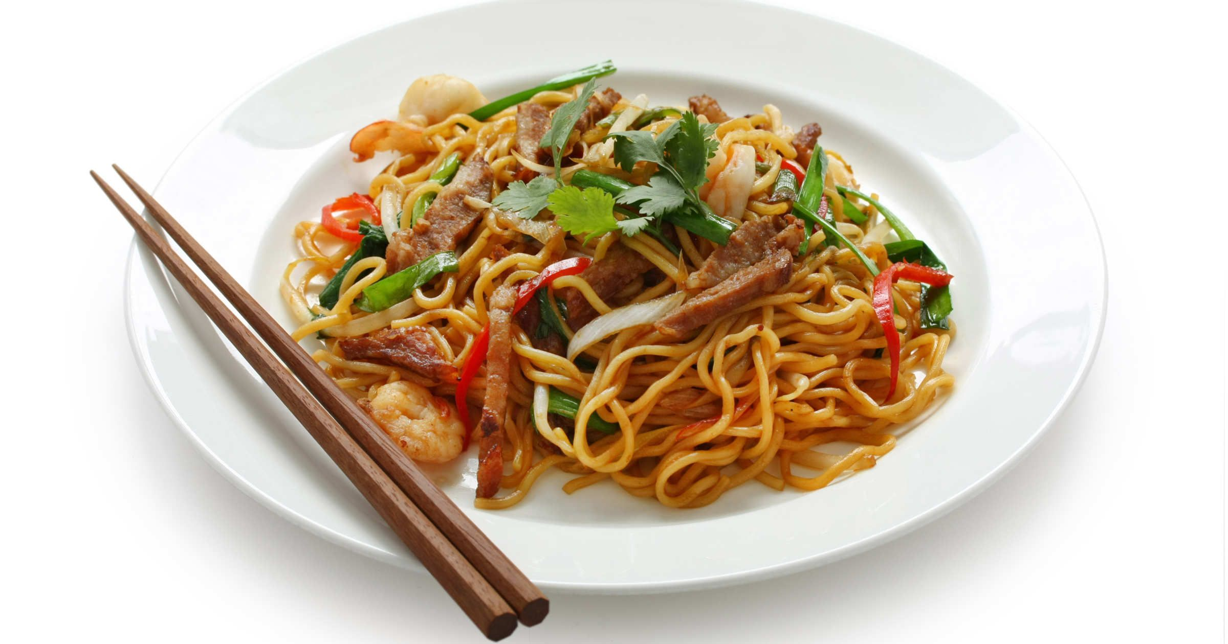 Noodles Are A Very Popluar Dish In Asia They Are Mainly Eaten In East Asia In Countries Like Japan And China But The Best Chinese Food Food Chinese Takeaway