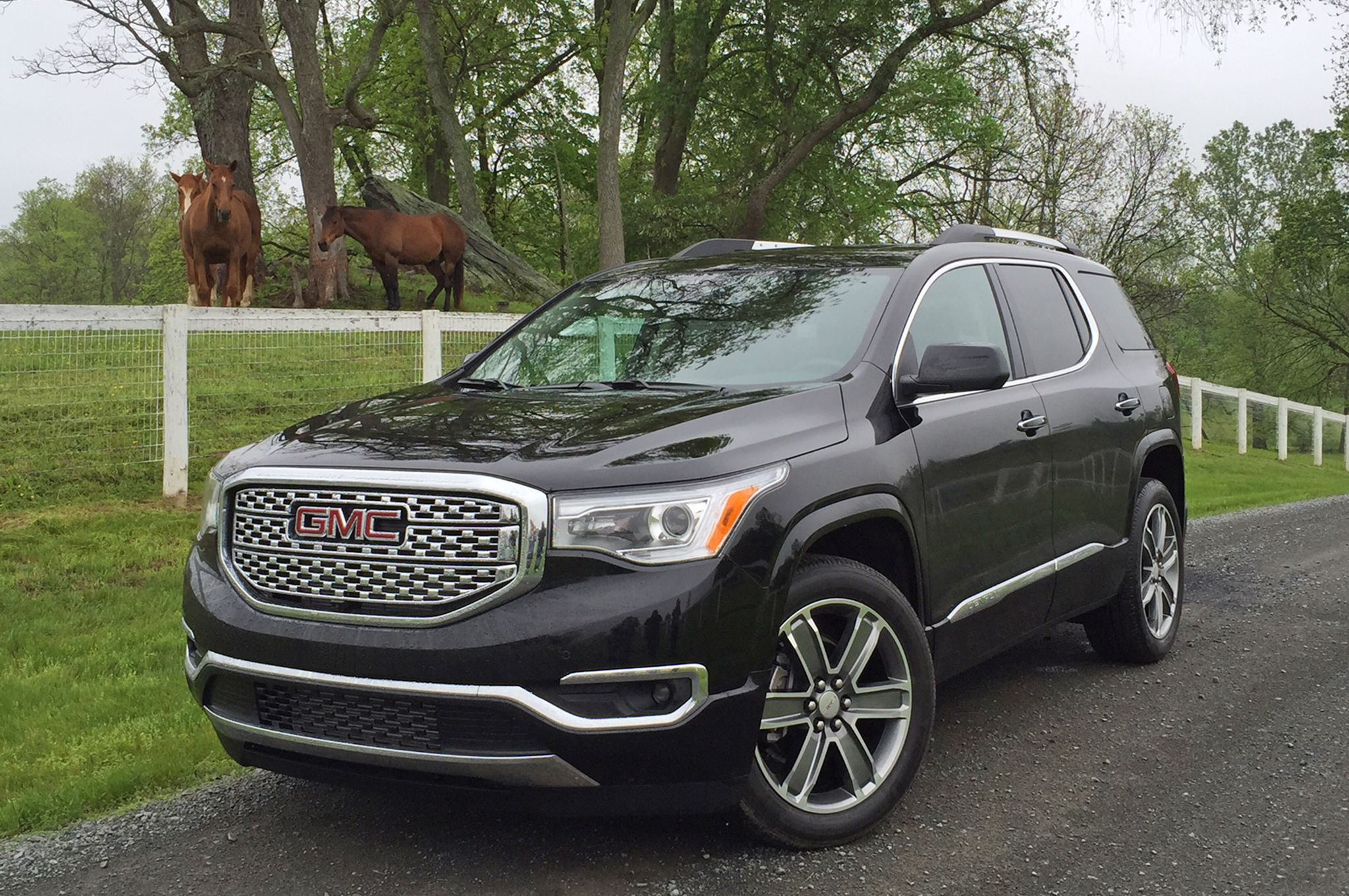 Image Result For Gmc Acadia Suv Gmc Acadia 2017 Chauffeur Service