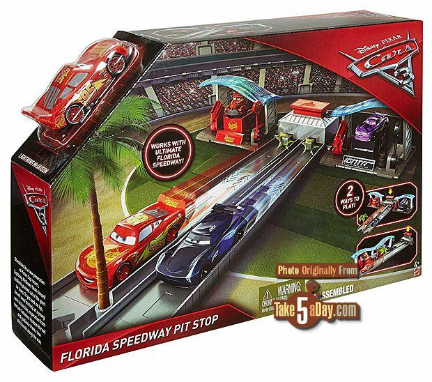 Mattel Disney Pixar Cars 3 Florida Speedway Pit Stop