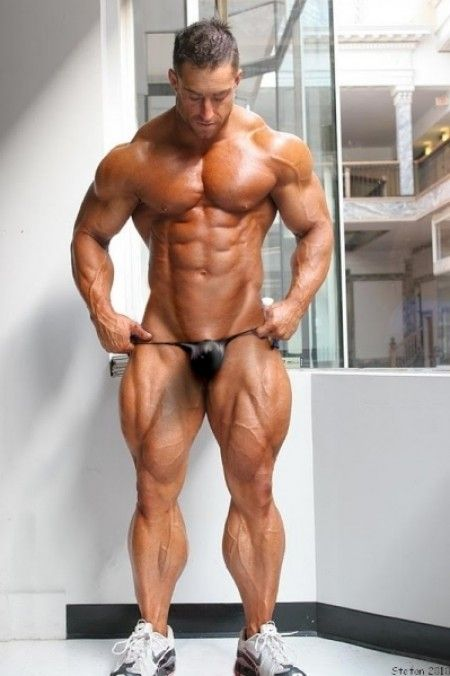 Ripped Muscle Bodybuilder Pulls Down His G String