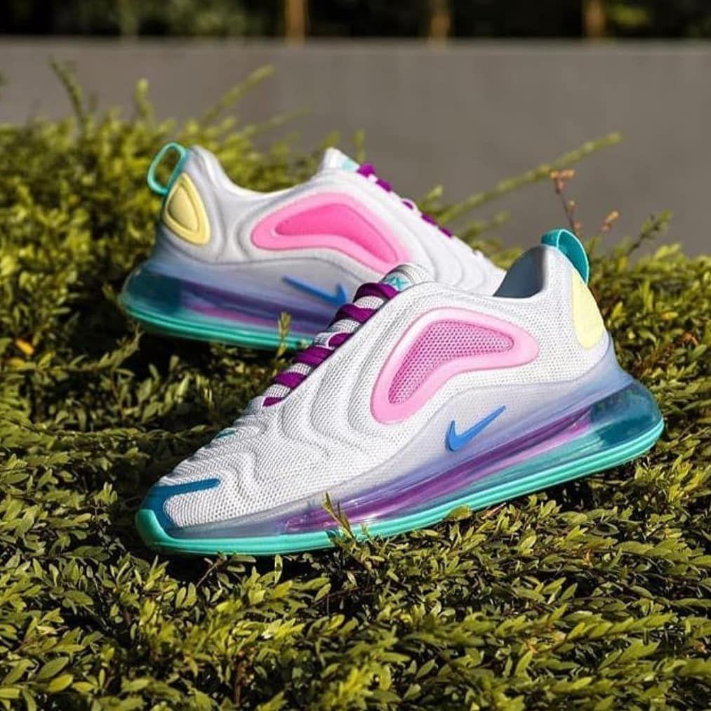 IDR 550,000 Nike Air Max 720 Pastel Pop