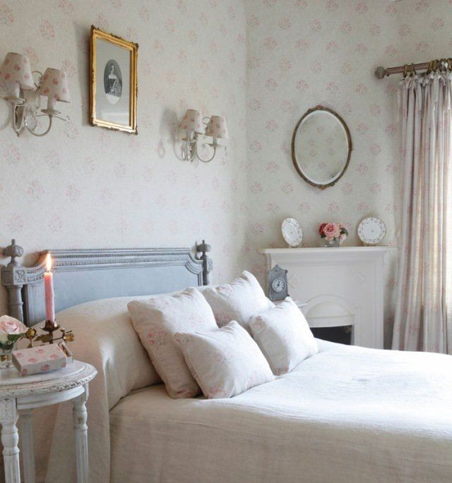 chambre à coucher de style shabby chic papier peint et appliques