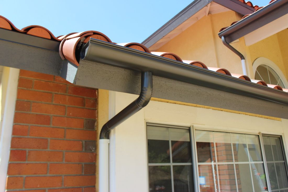 Handy Benefits Offered By The Seamless Guttering Gutters Facade House Ceiling Lights