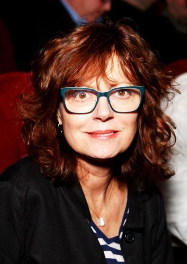 2a03f0ab39 Davis Vision - Hollywood veteran Susan Sarandon rocks big frames.   eyeglasses