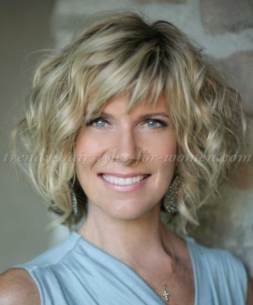 45 Short Curly Hairstyles For Women Over 50 With Images Short Curly Hairstyles For Women Medium Length Hair Styles Medium Hair Styles