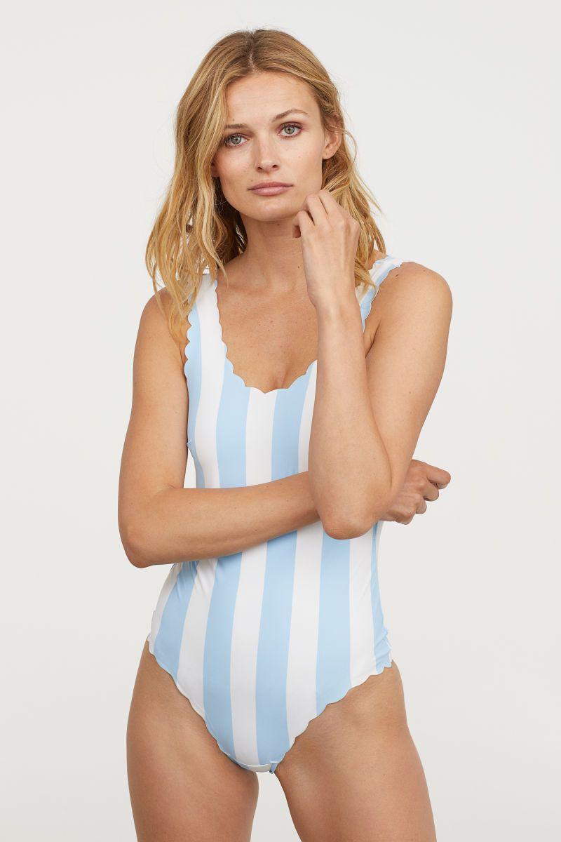 3a9f961457be50 Badeanzug mit Wellenkanten | Hellblau/Weiß gestreift | DAMEN | H&M ...