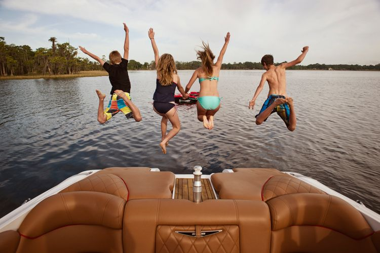 New 2014 Mastercraft Boats X55 Ski and Wakeboard Boat Photos- iboats.com