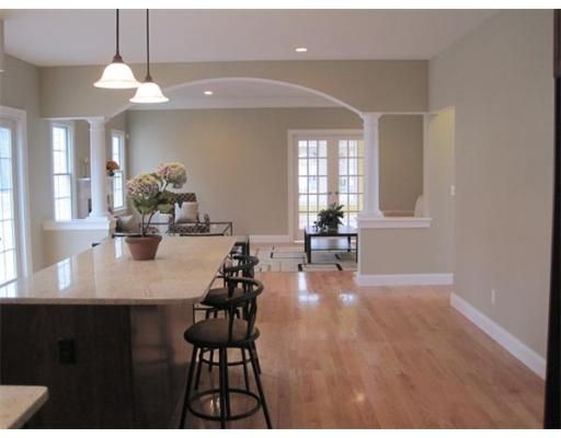 190 Culloden Dr Canton Ma 02021 4 Beds 2 5 Baths Archways In Homes Home House Interior