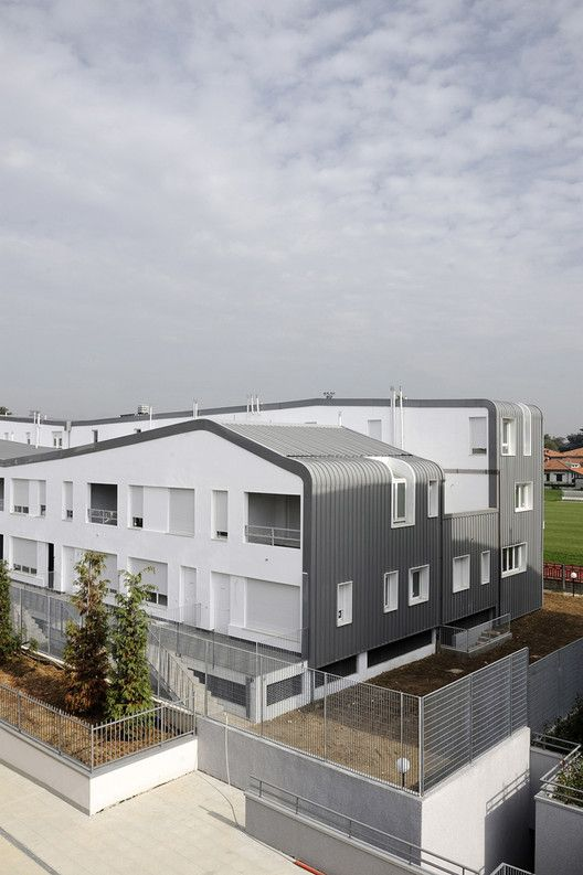 Residenze Seregno / Stefano Boeri Architetti Social housing Residential architecture