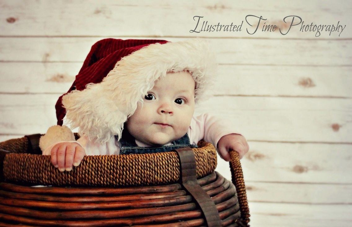 Baby's first Christmas photoshoot