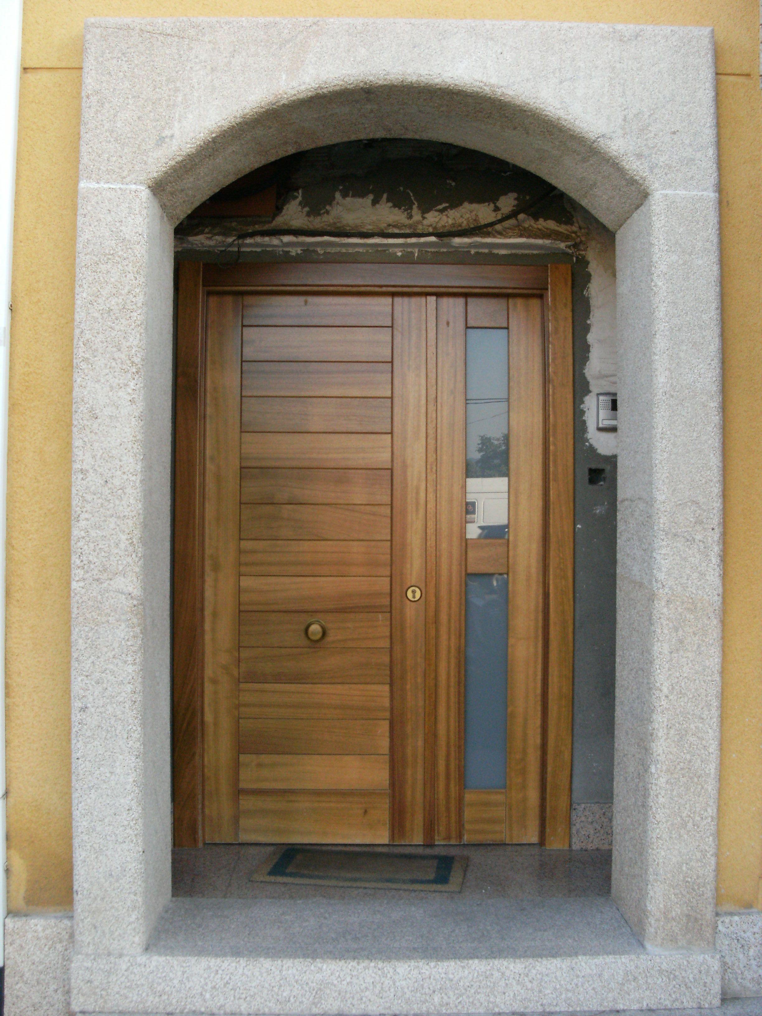 Puerta madera y cristal casa en 2019 pinterest for Puertas de entrada de madera modernas