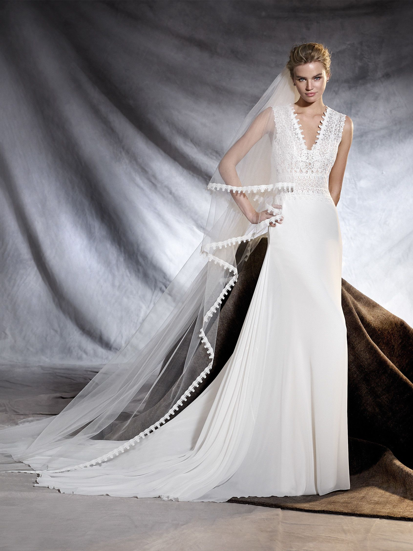 OROBIA - Wedding dress in gauze, guipure and tulle