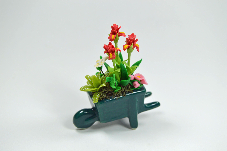 Decorative miniature dollhouse clay flower fairy garden with flower ...