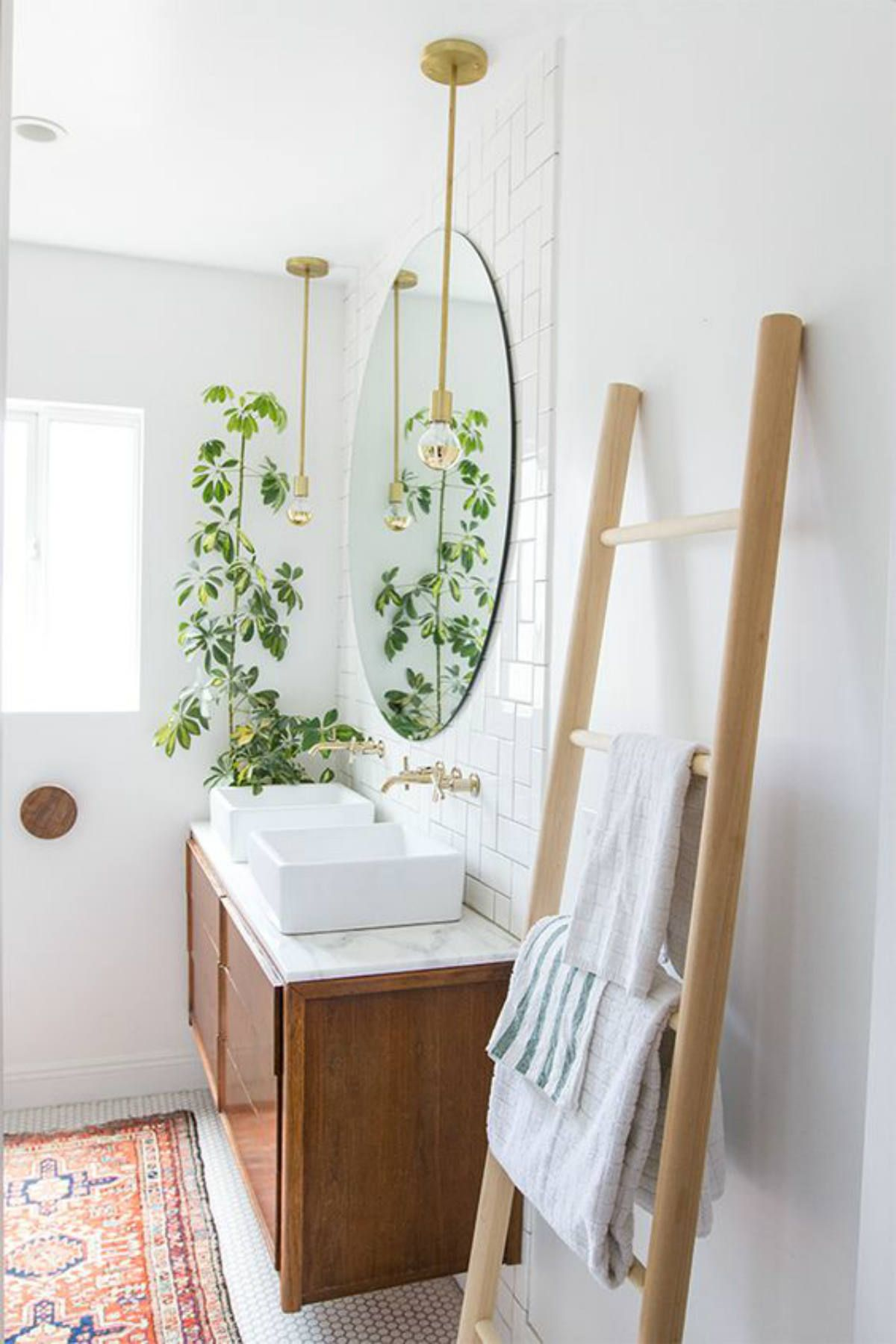 8 Cheap Ways to Make Even the Tiniest Bathroom Feel Like a Spa & 8 Cheap Ways to Make Your Tiny Bathroom Feel Like a Spa | bathroom ...