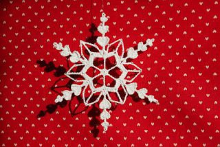 sweet heart snowflake i will make these for my tree next year