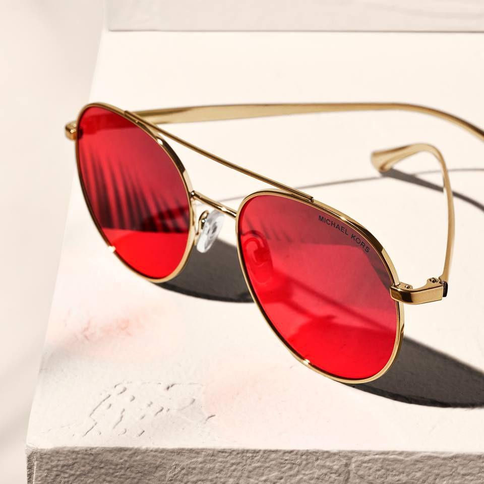 dbe0eab937f26 Pin de Atual Óptica em Óculos de Sol