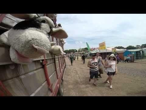 Banksy a Glasto – Farm Fresh Meats >>> http://wickedstyle.neural.it/2014/06/banksy-a-glasto-farm-fresh-meats/