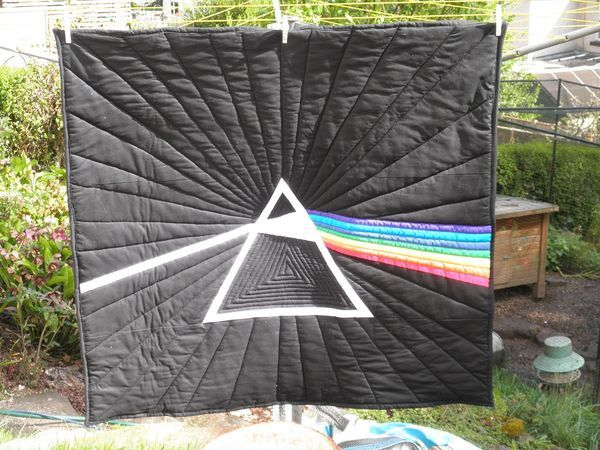 8d02a61001459 pink floyd quilt - Google Search | Quilts | Quilts, Pink floyd, Sewing