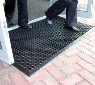 Guardian outdoor door mat. A fantastic value rubber exterior door ...