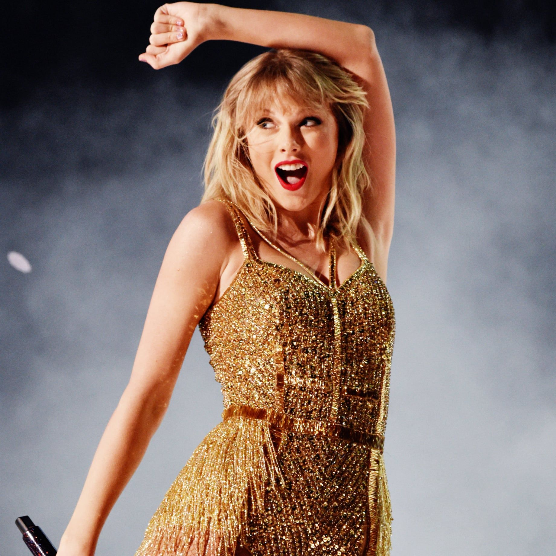 13 Moments From Taylor Swift S Career That Prove She S Truly The Artist Of The Decade Taylor Swift Taylor In This Moment