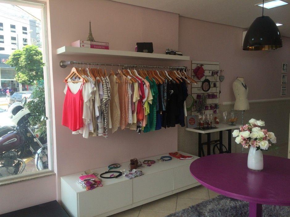 Pin de Alessandra Spezanes em Closet Loja boutique, Loja decoraç u00e3o e Ideias de loja -> Decoracao Para Loja Feminina Pequena