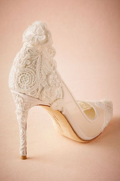 Pin By Jeongsin Nhỏ On Wedding Fantasies In 2021 Wedding Boots Country Shoes Boots Bridal Shoes