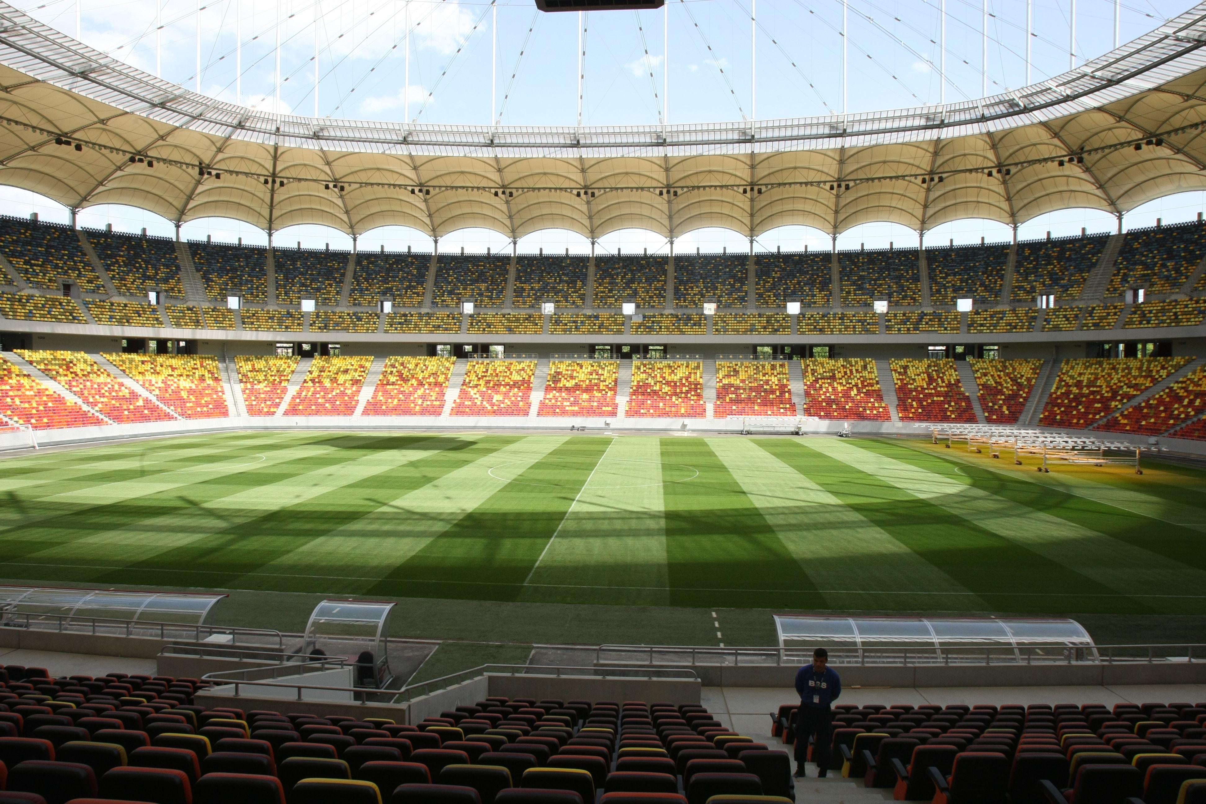 Arena Națională, Bucarest, Rumania. Capacidad 55 611 espectadores, Equipo local Seleccion  Rumanía.