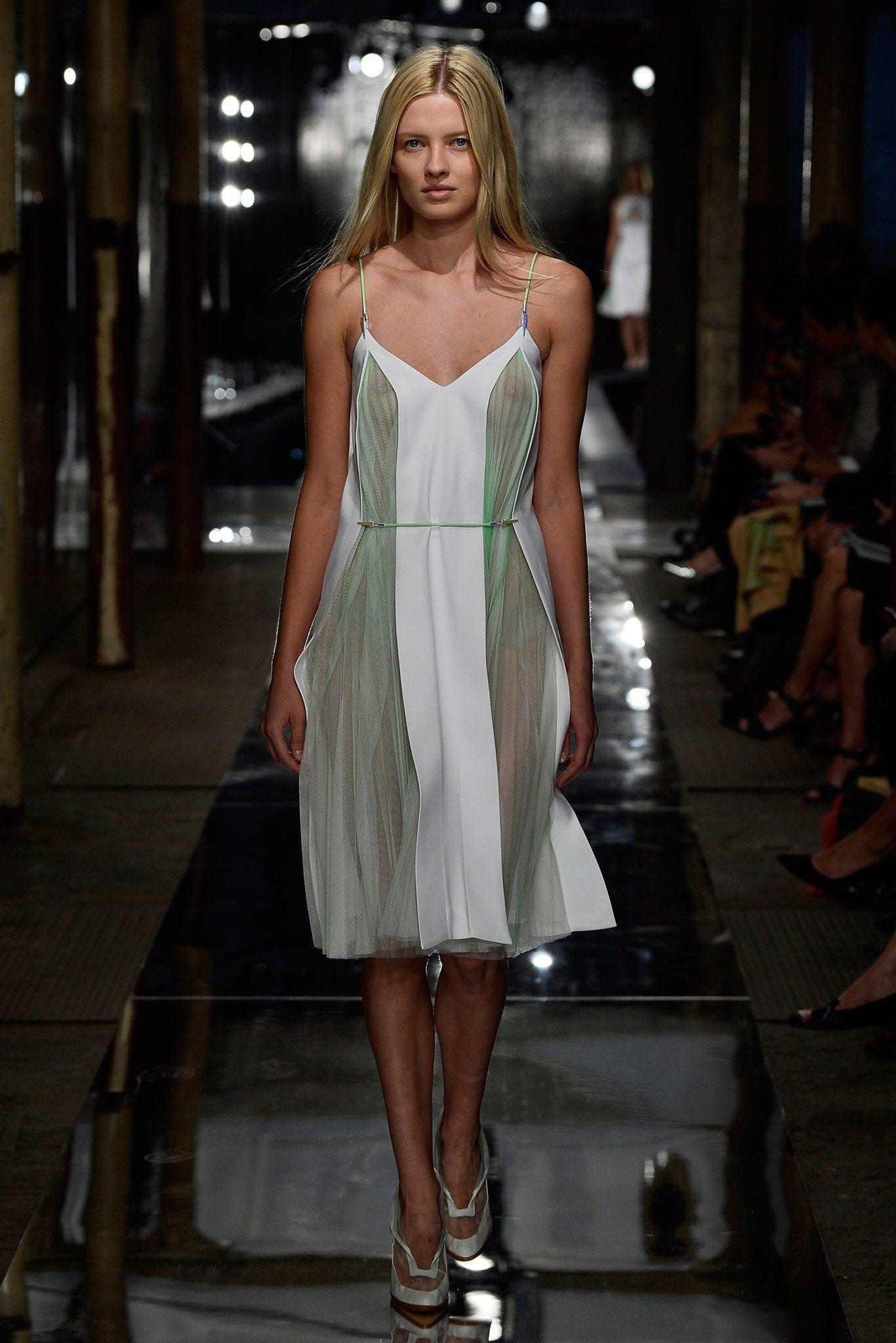 Christopher Kane Spring 2014 Ready-to-Wear Fashion Show - Natalia Siodmak