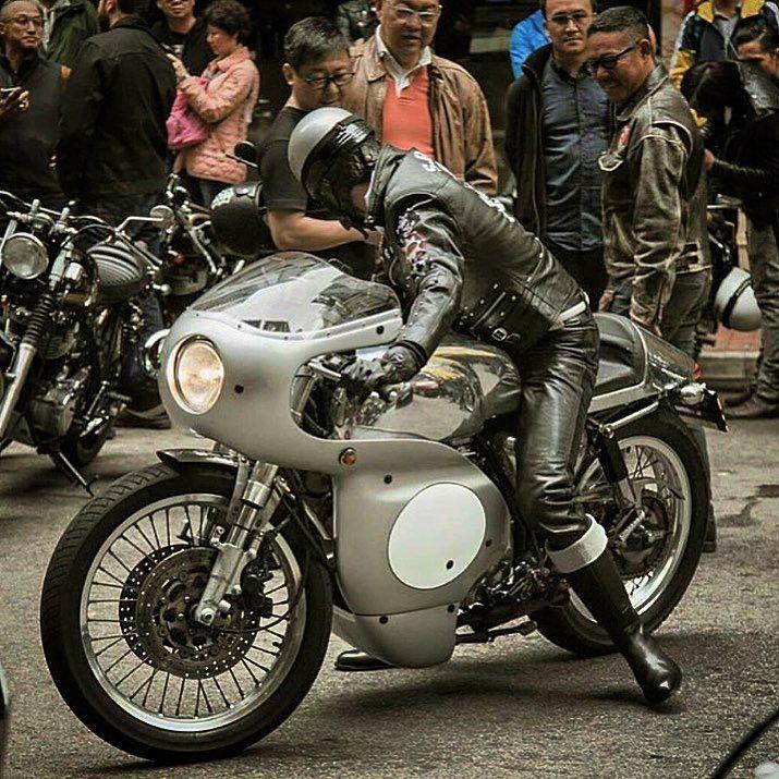 S.R.B.C Rockers @kenjide  #srbc#rockers#tonupboy#caferacer#caferacerclub#caferacerofinstagram#motorcycle#motor#bikers#lewisleather#leatherjackets#triumph#ajs#bsa#norton#sr400#sr500#hk#hkig#hongkong#cool#mood#pompadour#man#manstyle#fashion#vintage#vintagestyle#oldschool