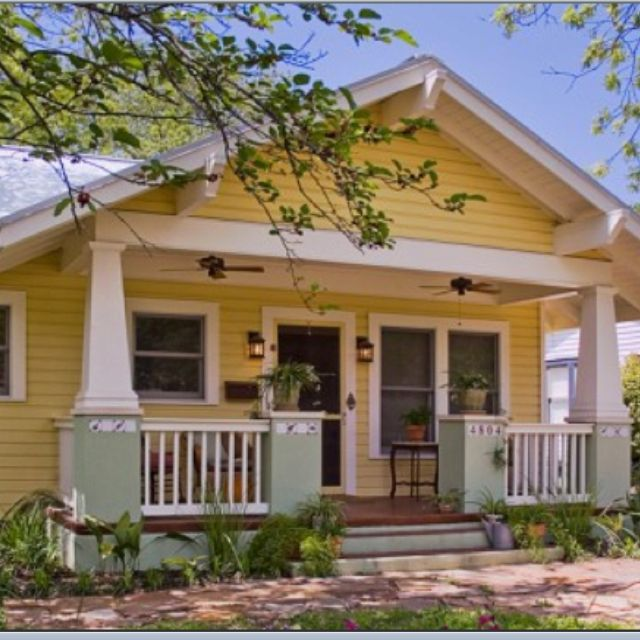 Bungalow In Love: Cute Bungalow!! I've Always Wanted A Yellow House