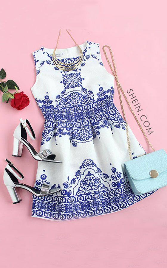 Blue Vintage Pattern Print Fit & Flare Sleeveless Dress