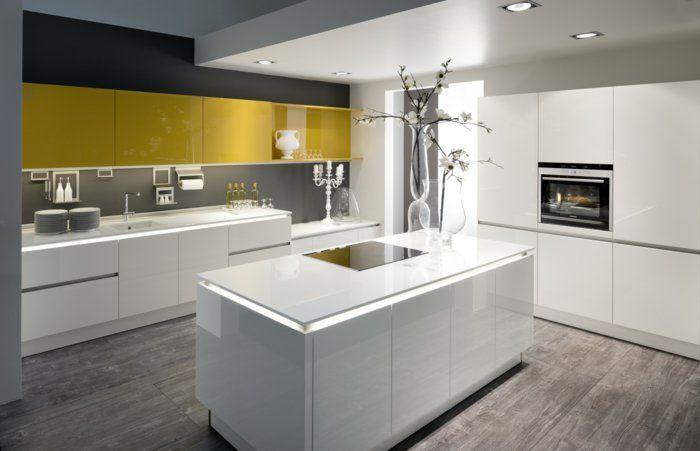 Kücheneinrichtung Ideen kücheneinrichtung mit glänzender oberfläche pro oder contra