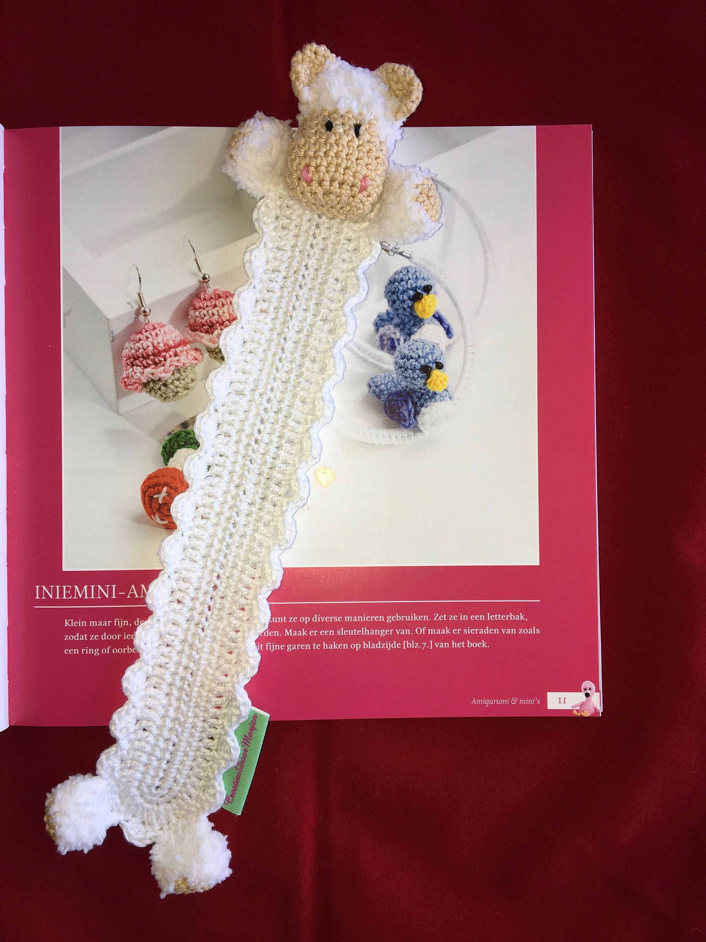 Bookmarks/bookmark with woolly sheep