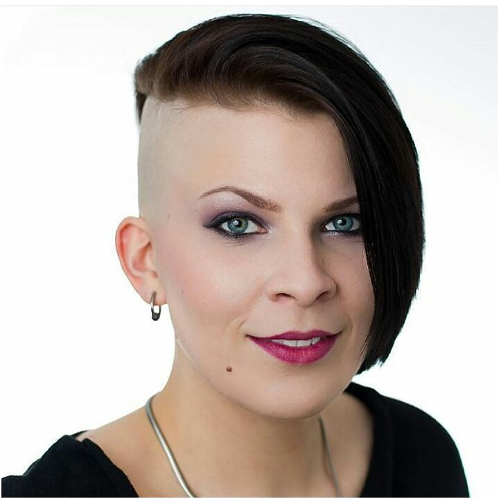 8 Living Half Shaved Short Hairstyles Photos   Half shaved ...