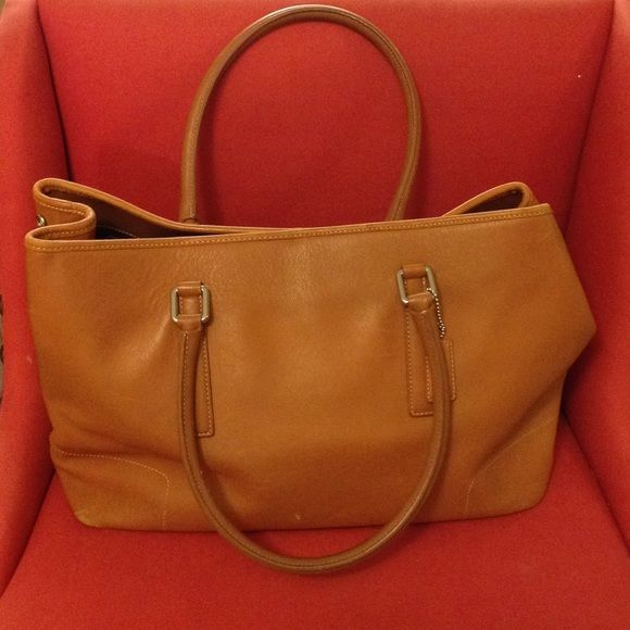 Large Vintage Coach Leather Tote Coach Tan Leather Tote (used with some  wear ) Coach