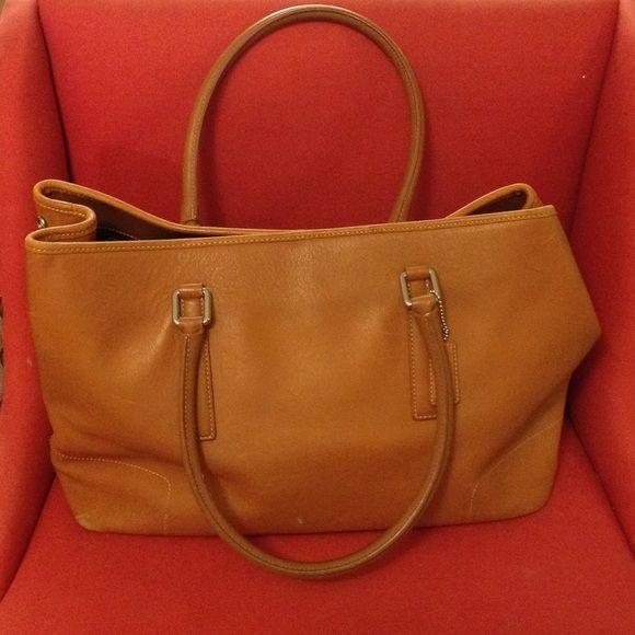 6965514e687 Selling this Large Vintage Coach Leather Tote in my Poshmark closet! My  username is  sasou1979.  shopmycloset  poshmark  fashion  shopping  style   forsale ...