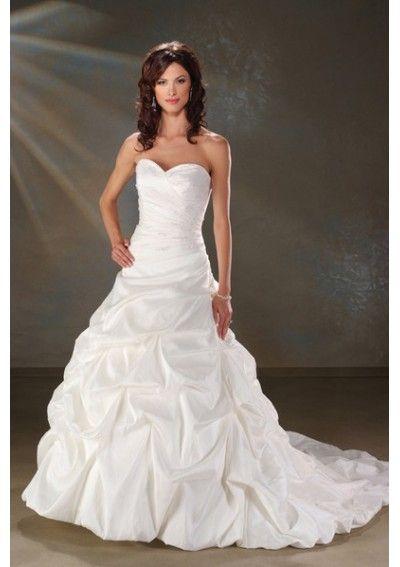 sweetheart neckline.. my fav. :) | My Style | Pinterest | Wedding ...