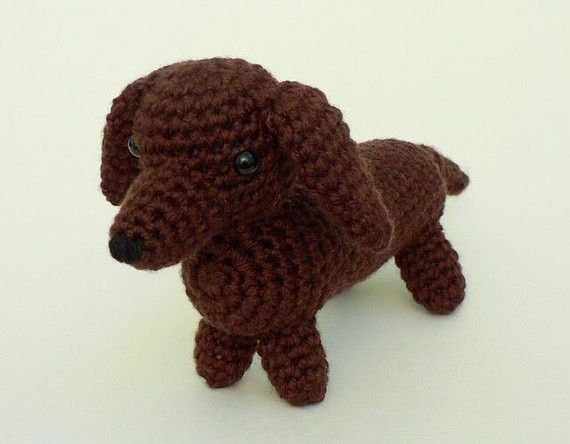 Schnitzel the Dachshund | Free Crochet Pattern | Hooked by Kati | 444x570