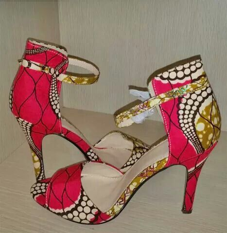 African print on shoe's.