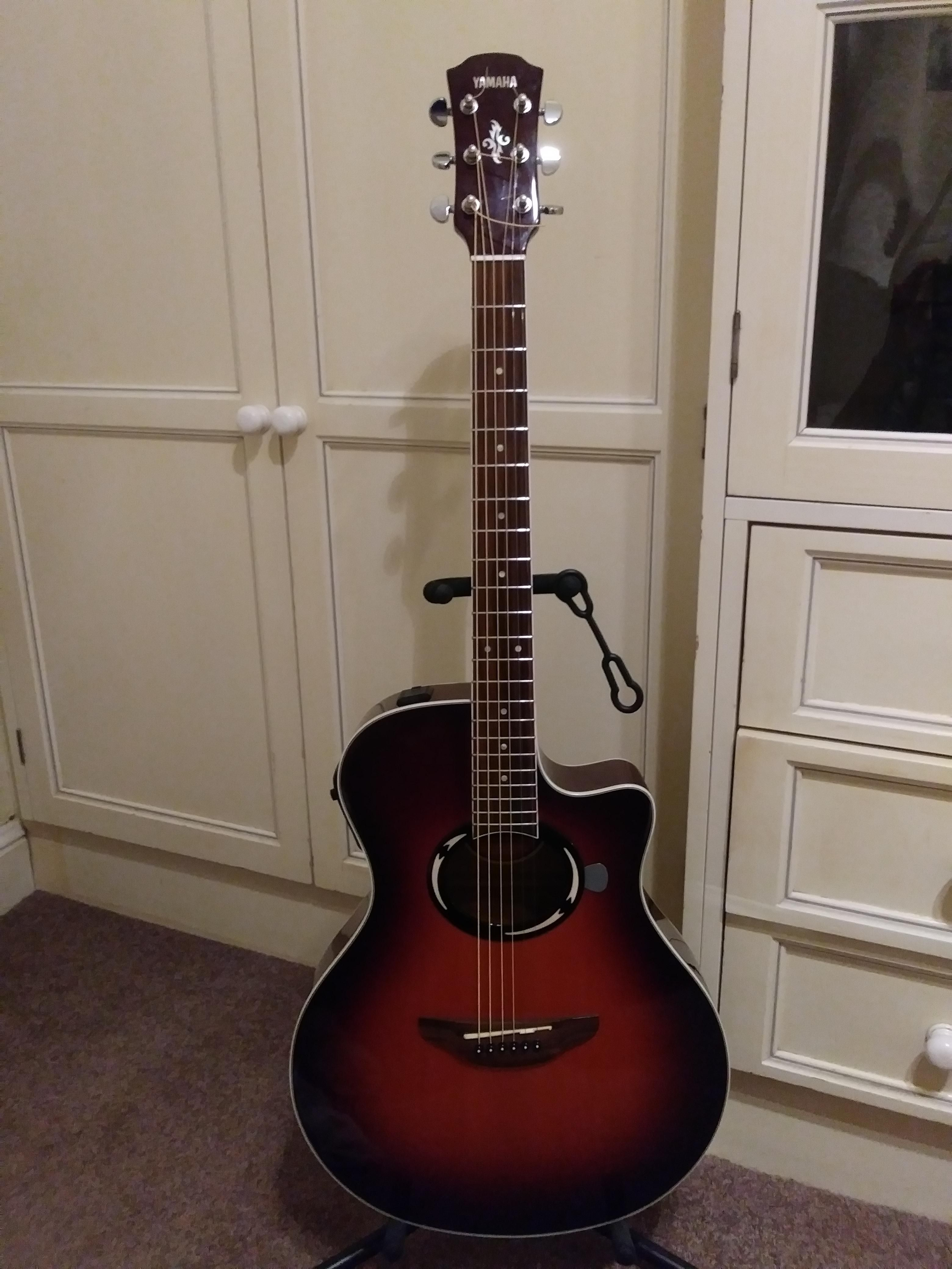 Yamaha Apx500 Ovs Cleaned And Restrung Happy To Have New Strings And A Clean Fretboard Guitar Cleaning Yamaha