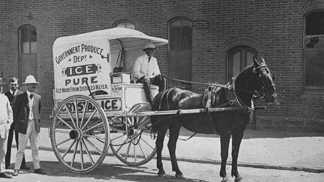 ANTIQUE POSTAL HISTORY DELIVERING MAIL HORSES COACHES