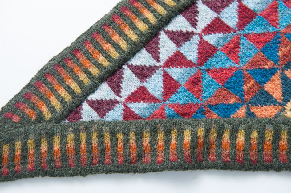 Pattern available in English http://www.ravelry.com/patterns/library ...