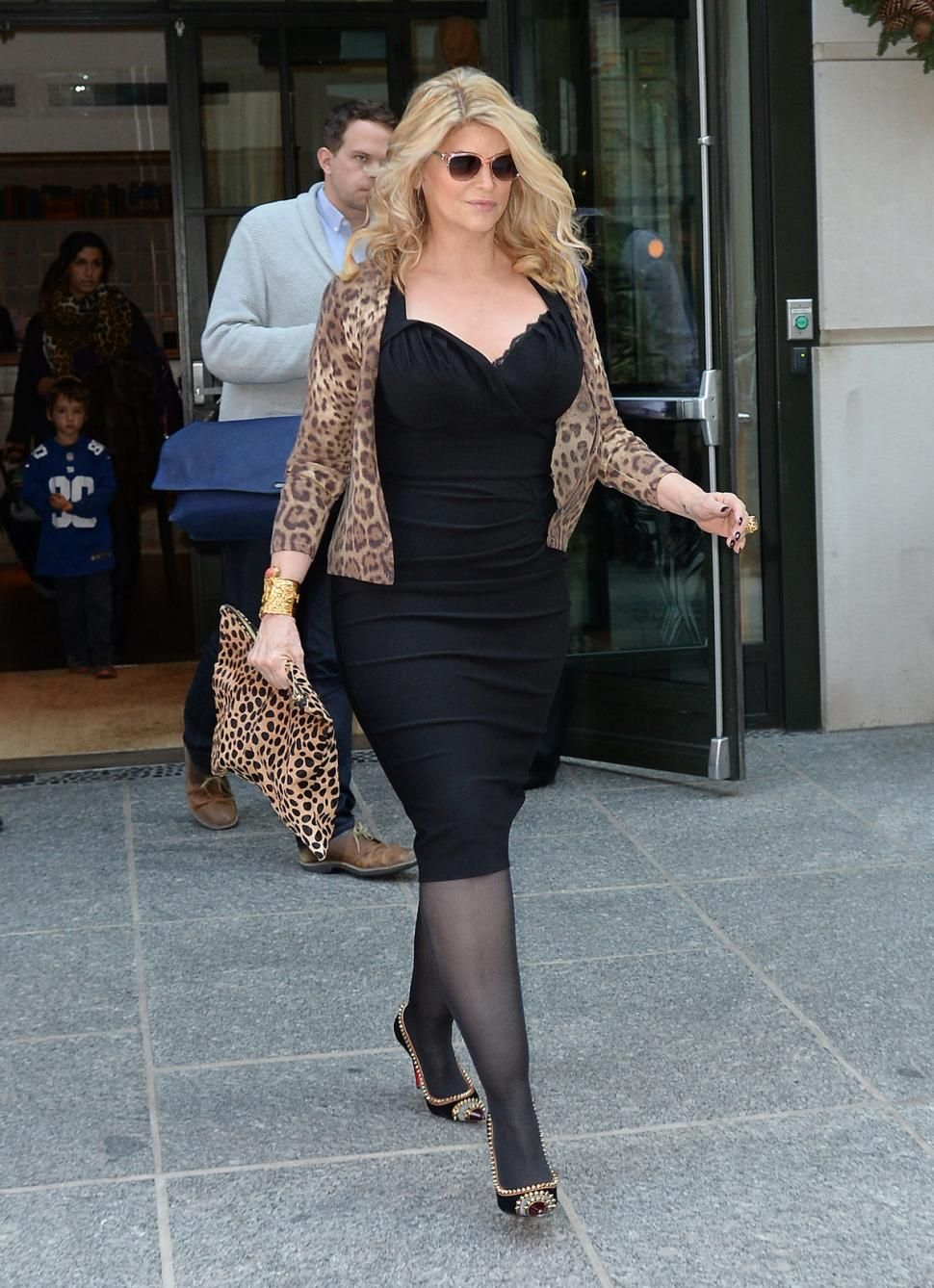 Kirstie Alley Pantyhose Size