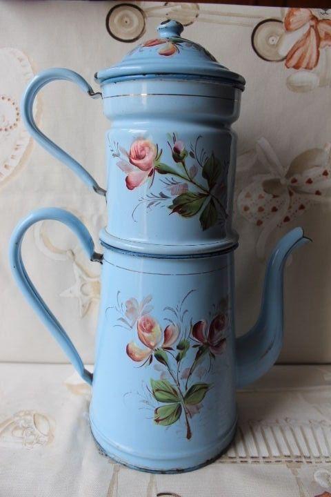 ENAMEL COFFEE POT | zinc i ferro | Pinterest | Casa de los abuelos ...