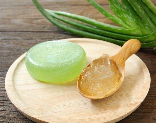 Come fare un sapone idratante a base di aloe vera rimedi - Detersivi naturali fatti in casa ...