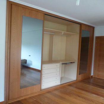 Modelo belako cortinas pinterest cortinas armarios for Cortinas para armarios empotrados