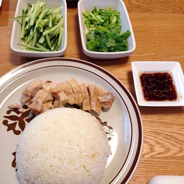 初めてにしては上出来(^_^)vコツはタレだな。あとはお焦げを作ると香ばしくて美味しいです! - 29件のもぐもぐ - 海南鶏飯 by MORi0419