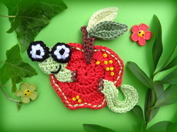 Manzana con gusano ganchillo apliques patrón por CrochAnna en Etsy ...