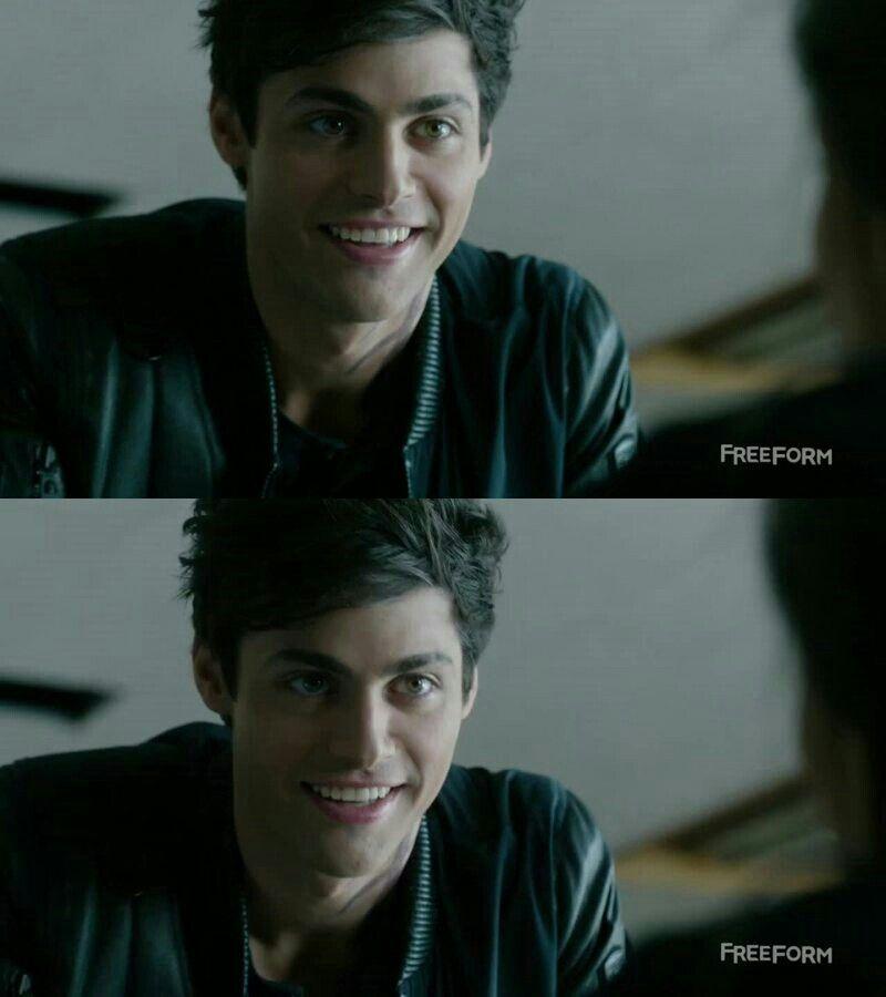 Alec so adorable! - Matthew Daddario - #Shadowhunters #1x07