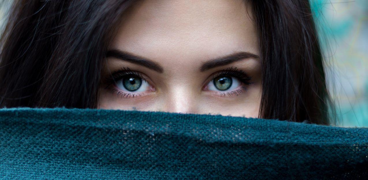 Maquilla tus ojos según tu color